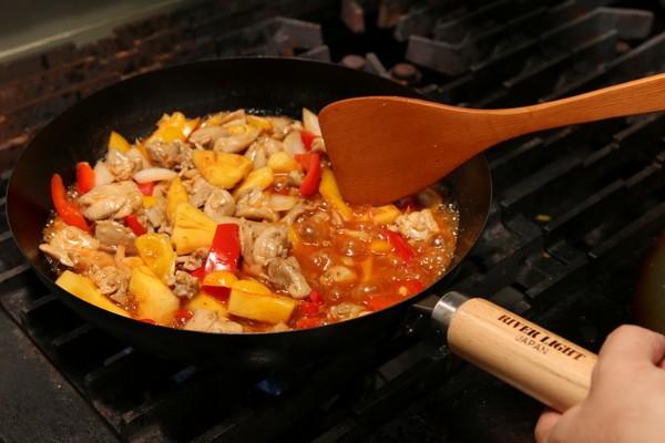 沒有塗層、富含鐵離子,日式極鐵鍋煮出單純健康味